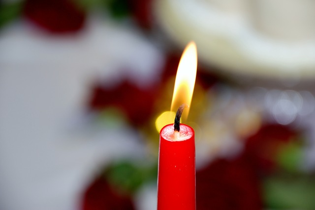 candle-112309_640